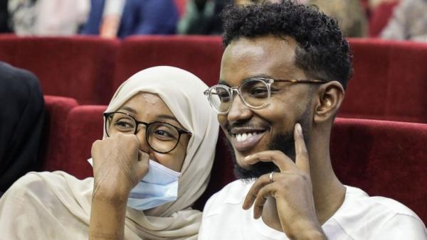 مقديشو: الصوماليون يستمتعون بأول عرض سينمائي منذ 30 عاما