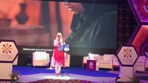 """ثقافة: إيمي هيتاري.. فنانة يمنية توحد العرب في مواجهة الحروب بأغنيات """"الإنمي"""""""