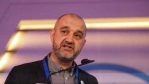 بروكسل: الاتحاد الدولي للصحفيين يدين اعتقال صحفي واقتحام محطتين اذاعيتين في عدن