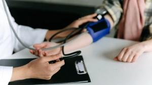 صحة: مكوّن غذائي ينبغي تجنبه لخفض ضغط الدم