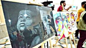 اليمن: فنانة حالمة ومرسم حر في قلب المكلا